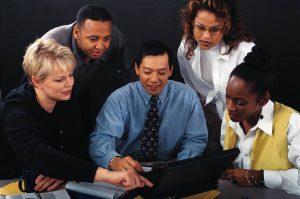 como lograr ventas de seguros con flyers